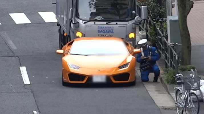 Polisi Hentikan Lamborghini Huracan