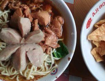 Njajal Mie Ayam Pak Pendek Timur Bonbin, yang Jual Tinggi