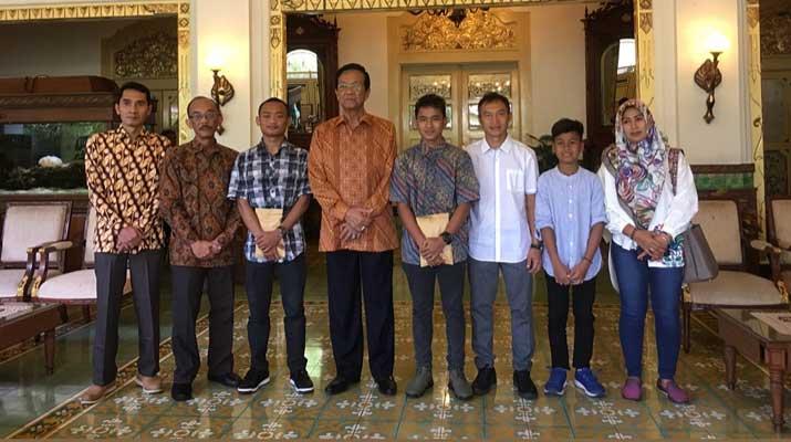 Sultan HB X dan Pembalap Muda Berprestasi