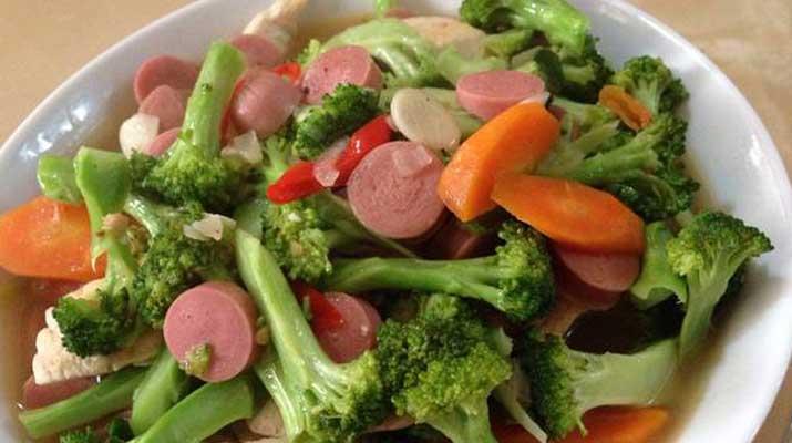 Tumis Brokoli dan Sosis