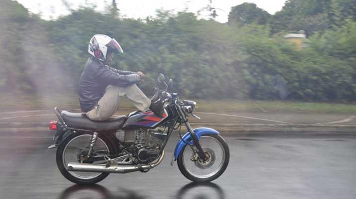 Berkendara Motor
