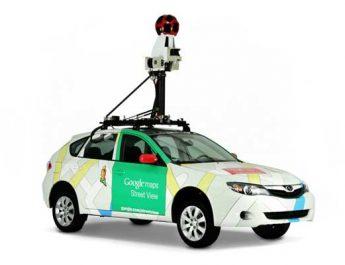 Pengen Ngeksis, Warganet Ngintili Mobil Google Street View Sambil Dadah-dadah